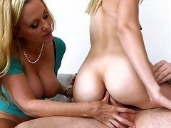 Big-ass daughter and her mom are having a perfect 3some