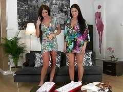 Four-way boning for two great Euro babes
